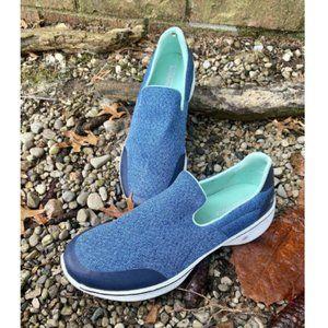 SKECHERS WOMENS GO WALK BLUE AQUA SLIP ON SHOES 10